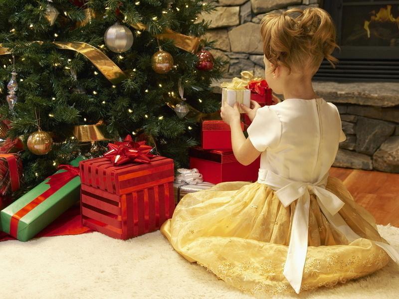Как сохранить волшебство новогодних праздников: спасаем родителей от предновогодней депрессии и выбираем лучшие подарки детям!